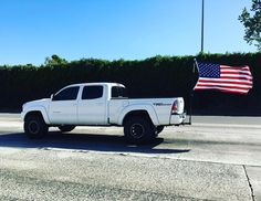 #pickup #flag #usa #francaisauxusa #california | Photo de @happyfamilyencalifornie
