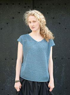 Flex by Heidi Kirrmaier, in Quince  Co. Kestrel (heavy worsted weight linen)
