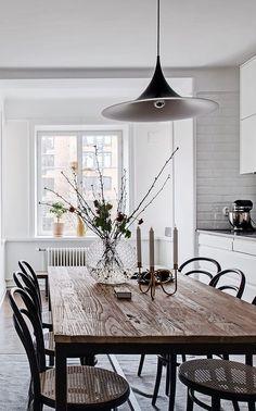 Bright home with amazing details Bright Homes, Interior Decorating, Interior Design, Design Blog, Home And Deco, Scandinavian Interior, Home Decor Kitchen, Interior Inspiration, Dining Table