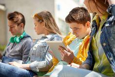 Ako sa zmenili 11-15 ročné deti? Výskum hovorí, že neveria v dobro, rastie ich agresivita a najpodstatnejšie sú technológie Training, Couple Photos, Couples, School, Couple Shots, Work Outs, Couple Photography, Couple, Excercise
