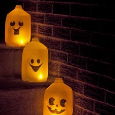 Need a few last minute Halloween decorations? If you have a few empty milk jugs laying around you can make these festive ghost luminaries.