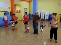 Coreografía abanicos 2 a 3 años Baby Learning, Music For Kids, Teaching Music, Opera, Musicals, Homeschool, Singing, Basketball Court, Education