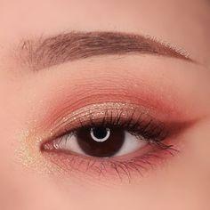 asian makeup – Hair and beauty tips, tricks and tutorials Makeup Eye Looks, Eye Makeup Art, Cute Makeup, Pretty Makeup, Eyeshadow Makeup, Asian Makeup Looks, Beauty Makeup, Makeup Eyes, Makeup Trends
