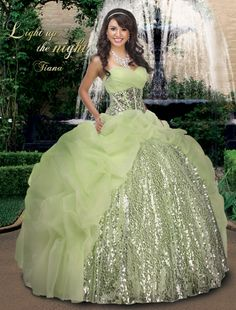 Shop for Disney Royal Ball Quinceanera Dresses and Gowns online. Look like your favorite Disney Princess during your Sweet 15 party. Quince Dresses, 15 Dresses, Pretty Dresses, Formal Dresses, Funky Dresses, Ball Dresses, Vestido Strapless, Dress Vestidos, Quinceanera Dresses