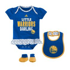Is your little sweetheart a Golden State Warriors Fan? If so, this pretty, polka dot trimmed, 100% cotton outfit is sure to please! It's got feminine touches galore from its puffed sleeves to a ruffled waist. Both the bib and creeper feature screen-printed official Warriors logo designs. The outfit comes with matching booties to tie everything together.