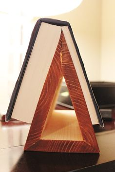 Hipholstery: DIY Tutorial: Book Stand for Dad