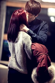 """""""Emergency Couple"""" Episode 10 to 12 Stills + Episode 14 Preview 