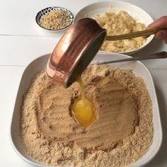 """7,903 Beğenme, 371 Yorum - Instagram'da Beyhan Kadayıfçı (@beyhaninmutfagi): """"Günaydın. Mutlu hafta sonları Tost makinesinde bu sefer ekmek olmadan tost yapmaya ne dersiniz …"""" Pudding, Tart, Sweets, Cheese, Ethnic Recipes, Desserts, Food, Instagram, Cupcake"""
