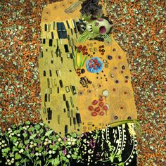 'The Vegetable Museum', famous paintings recreated with vegetables, by Chinese artist Ju Duoqi: The Kiss of the Radishes. Inspired by Gustav Klimt's The Kiss. http://juduoqi.com/serice_museum.html