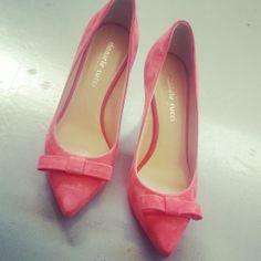 Décolletè Kitten shoes in suadè rosa con fiocco