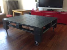 Grey pallet coffee table #CoffeeTable, #RecycledPallet