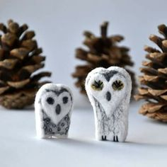 Snow owls - hand felted brooch