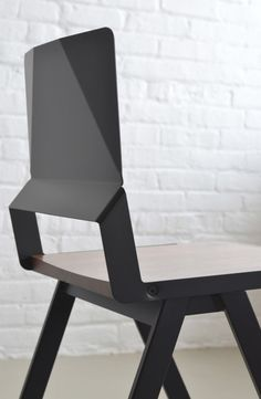 Products we like / Chair / Black / metal / Folded details / Geometric / at takeovertime