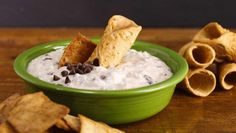 The official website for The Rachael Ray Show. The award-winning daytime TV show where you can find recipes, watch show clips, and explore more Rachael Ray! Cannoli Dip, Cannoli Recipe, Cannoli Shells, Muffin Tin Breakfast, Delicious Desserts, Dessert Recipes, Vegan Granola, Muffin Tin Recipes, Cheesecake Dip