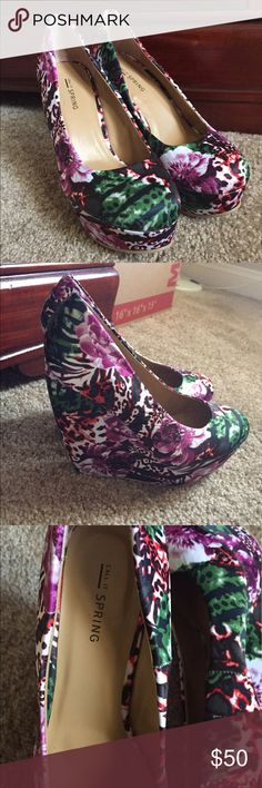 Floral Wedges Brand new, never been worn. Size 7 wedges Call It Spring Shoes Wedges