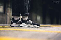 "A Closer Look at the fragment design x Nike Sock Dart ""Black"""