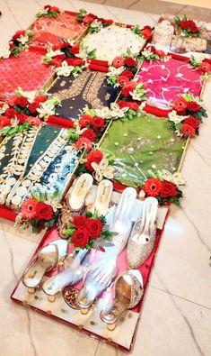 Indian Wedding Gifts, Indian Wedding Video, Creative Wedding Gifts, Desi Wedding Decor, Diy Wedding Backdrop, Wedding Stage Decorations, Wedding Crafts, Flower Decorations, Wedding Events