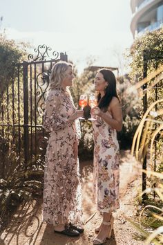 Chandon Rosé cocktails and We Are Kindred floral dresses - the ultimate spring styling. We Are Kindred, Rose Cocktail, Edible Flowers, Floral Dresses, Cocktails, Vibrant, Bloom, Australia, Asian