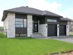 New Home for Sale Mirabel, rue Wilfrid-Gauthier – Model home, imm … - Home & DIY Craftsman Style Exterior, Exterior House Colors, Exterior Design, Bungalow House Design, Modern House Design, Building Design, Building A House, Houses On Slopes, Canadian House