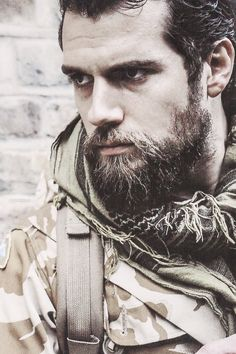 He looks so hot as Stratton! That beard is driving me crazy!