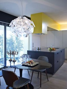 Światło słoneczne w jadalni , kuchia / jadalnia otwarte na siebie :)