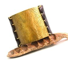 Handmade in beautiful Playa Tamarindo, Costa Rica. Etched Tribal Brass and Brown Leather Bracelet Tamarindo, Brass Pendant, My Boutique, Dark Brown Leather, Solid Brass, Costa Rica, How To Draw Hands, Urban, Bracelets