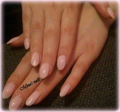 Madianas nude pink nails lovely <3