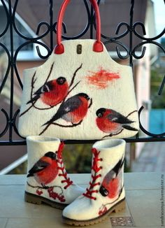 Валяный комплект `Снегири`. Валяная сумка. Валяные ботинки. NewVoilok. Обувь ручной работы.