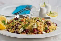 Jedlom na jarnú únavu – recepty na kuskus s pečenou koreňovou zeleninou a aromatickú polievku z červenej šošovice a listovej zeleniny.