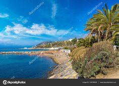 Средиземноморское побережье в Сан-Ремо — стоковое изображение #136166028