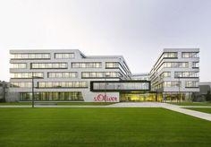 s.Oliver Headquarters / KSP Jürgen Engel Architekten http://www.archdaily.com/377869/s-oliver-headquarters-ksp-jurgen-engel-architekten/?utm_source=ArchDaily+List_campaign=351c1d02e7-RSS_EMAIL_CAMPAIGN_medium=email_term=0_b5a382da72-351c1d02e7-407802134