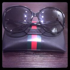 9f6a63f07ee Black Gucci Sunglasses GG 3157 s Pre-owned Great condition. Black JJ  oversized