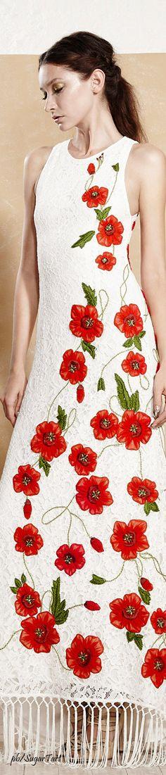 Runway Fashion, Fashion Show, Fashion Looks, Fashion Design, Fashion Trends, Vogue Fashion, Alice Olivia, Style Work, Floral Fashion