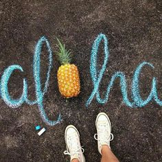 Chalk Art Images and Drawings - We need more sidewalk chalk days. Days where all you do is play outside, create art, dream up fantasy worlds. - Amazing chalk art images that will leave you speechless Fred Instagram, Photo Instagram, Disney Instagram, Instagram Models, Photo Trop Belle, Chalk Photos, Artsy Photos, Photo Lovers, Sidewalk Chalk Art