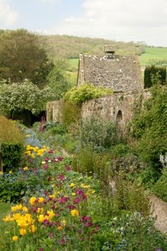 "pagewoman: "" Snowshill Manor, Cotswolds, Gloucestershire, England by Adie Ray "" English Country Gardens, English Countryside, National Trust, Into The West, Belle Villa, England And Scotland, England Uk, All Nature, Dream Garden"