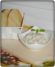 Leckerer Fleischsalat mit Mayonnaise und Joghurt in knapp einer Minute im Thermomix zubereitet. Mit frischem Baguette ein Genuss.