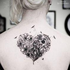 Increible Corazón con Flores y Libélulas por Diana Severinenko