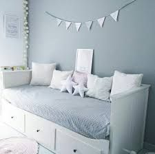 Divan hemnes habitacion nina deco pinterest hemnes for Cama divan nina