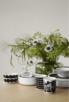 Marimekko Ystävämyynti 2018 for by Susanna Vento Scandi Style, Nordic Style, Marimekko, Ecology Design, Nordic Home, Dream Decor, Green Flowers, Ikebana, Floral Arrangements