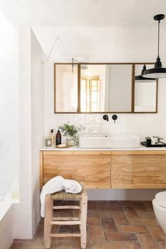 A country retreat in the heart of Barcelona by Sacum Barcelona Apartment, Paris Home, Style Minimaliste, Vintage Cabin, Mansion Interior, Fireplace Remodel, Cheap Kitchen, French Country Style, Mediterranean Style
