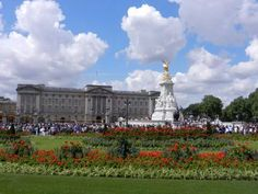 The Buckingham Palace with gorgeous flowers
