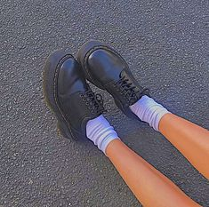 Pretty Shoes, Cute Shoes, Me Too Shoes, Aesthetic Shoes, Aesthetic Clothes, Pastell Goth Outfits, Estilo Grunge, Swag Shoes, Dream Shoes