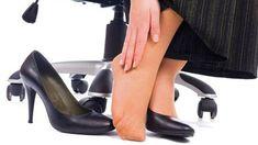 HATI² Penyebab Sakit Tumit Dengan Sepatu Hak Tinggi Salah Satu Alasannya !!  Di era globalisasi ini, siapa yang belum kenal high hils si sepatu hak tinggi. Dengan memakaiannya, wanita terlihat tampak lebih tinggi, kaki yang lebih panjang dan lebih tipis, gaya berjalan dan perubahan postur tubuh menjadi lebih menarik. Memakai sepatu hak tinggi memiliki hubungan dalam menjadikan wanita terlihat feminim.
