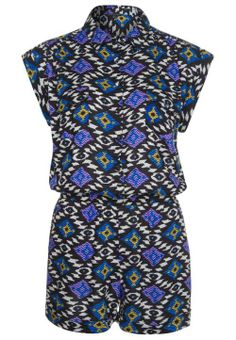 Tribal jumpsuit - € 34 - River Island via Flair.be (http://www.flair.be/nl/mode/276184/jump-for-joy-in-deze-11-jumpsuits)