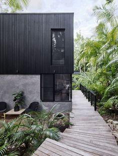 Modern coastal house nestled in the lush Australian rainforest 1 - Architecture Design Ideas House Cladding, Exterior Cladding, Facade House, Timber Cladding, Exterior Windows, Exterior Stairs, House Facades, Architecture Durable, Architecture Design