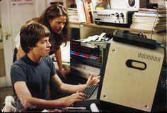 O hacker David Lightman (Matthew Broderick) e sua colega Jennifer Mack (Ally Sheedy) em 'WarGames' (Foto: Divulgação)
