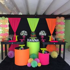 Dance Party Birthday, Neon Birthday, Birthday Party For Teens, Birthday Cakes, Glow In Dark Party, Glow Stick Party, Black Light Party Ideas, Neon Party Decorations, Diy Neon Party