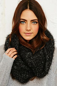 Accessories | Hats, Gloves & Scarves at Urban Outfitters