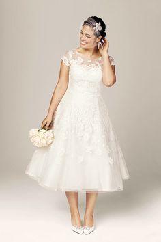 Curvy Girl Tea cuo dress! Love! #bride #swank #brideswank