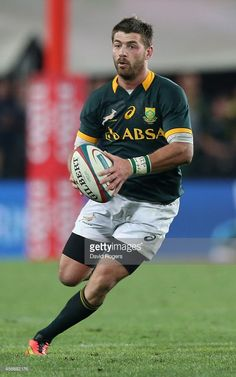 Willie le Roux of South Africa runs with the ball during the Rugby... News Photo | Getty Images